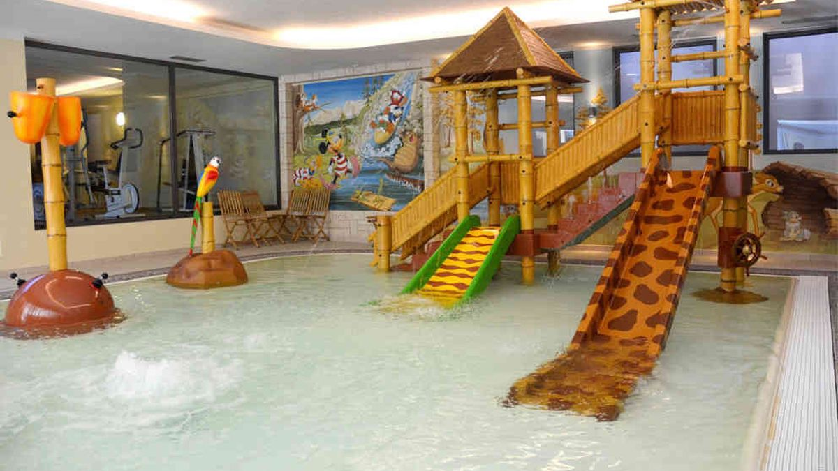 Sala Giochi Per Bambini : Alpholiday dolomiti: hotel per bambini in montagna a dimaro its4kids