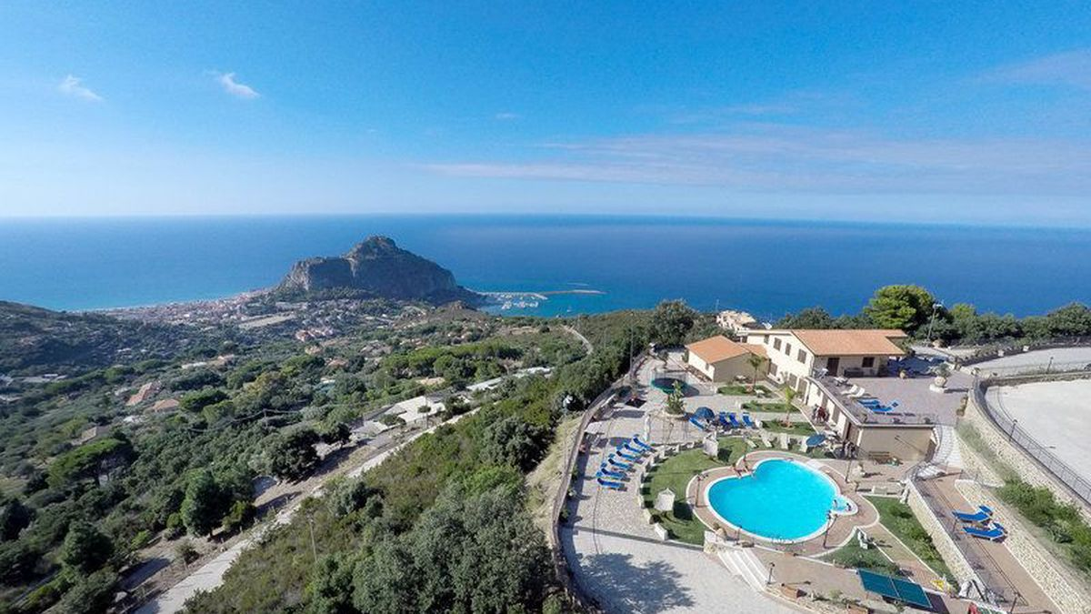 Sikelios Apartments-Cefalù-