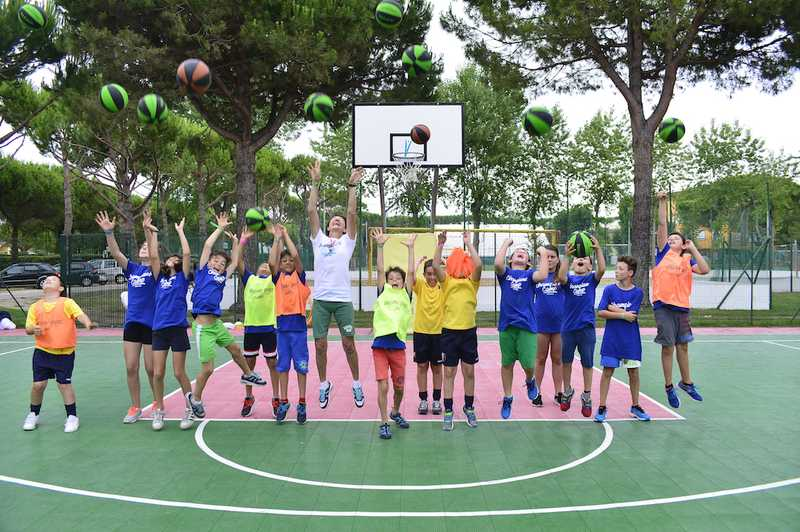 ENGLISH & SPORTS sUMMER CAMP
